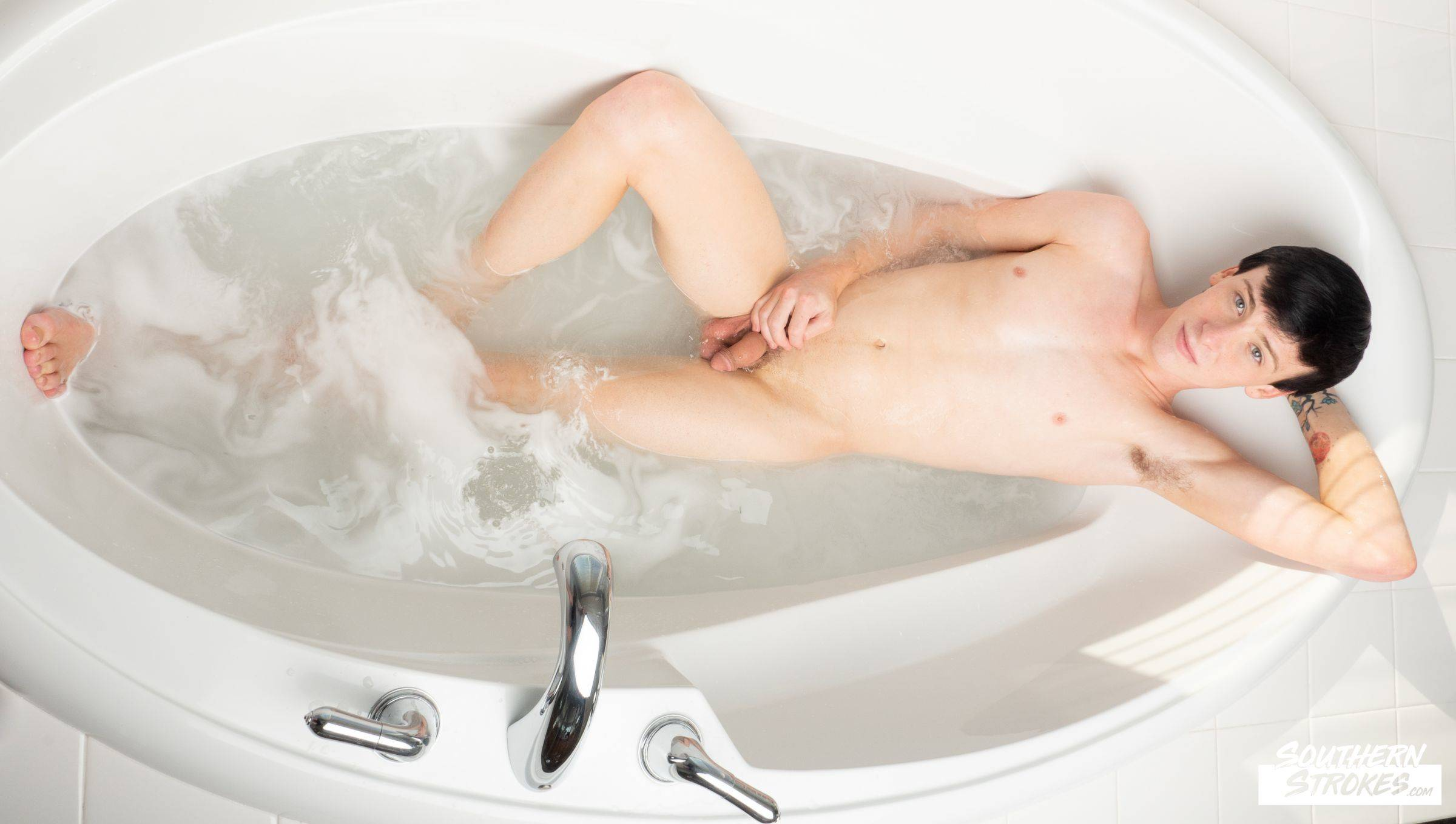 Southern Strokes – Chris Summers