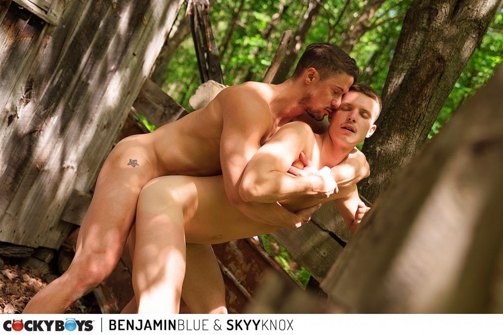 Cocky Boys – Benjamin Blue, Skyy Knox