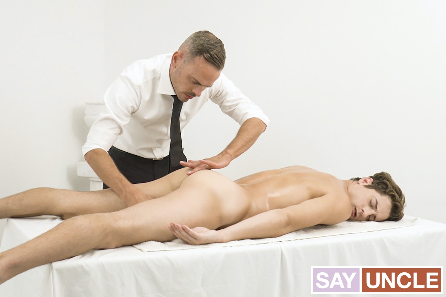 Missionary Boys – Taylor Reign, Trent Summers