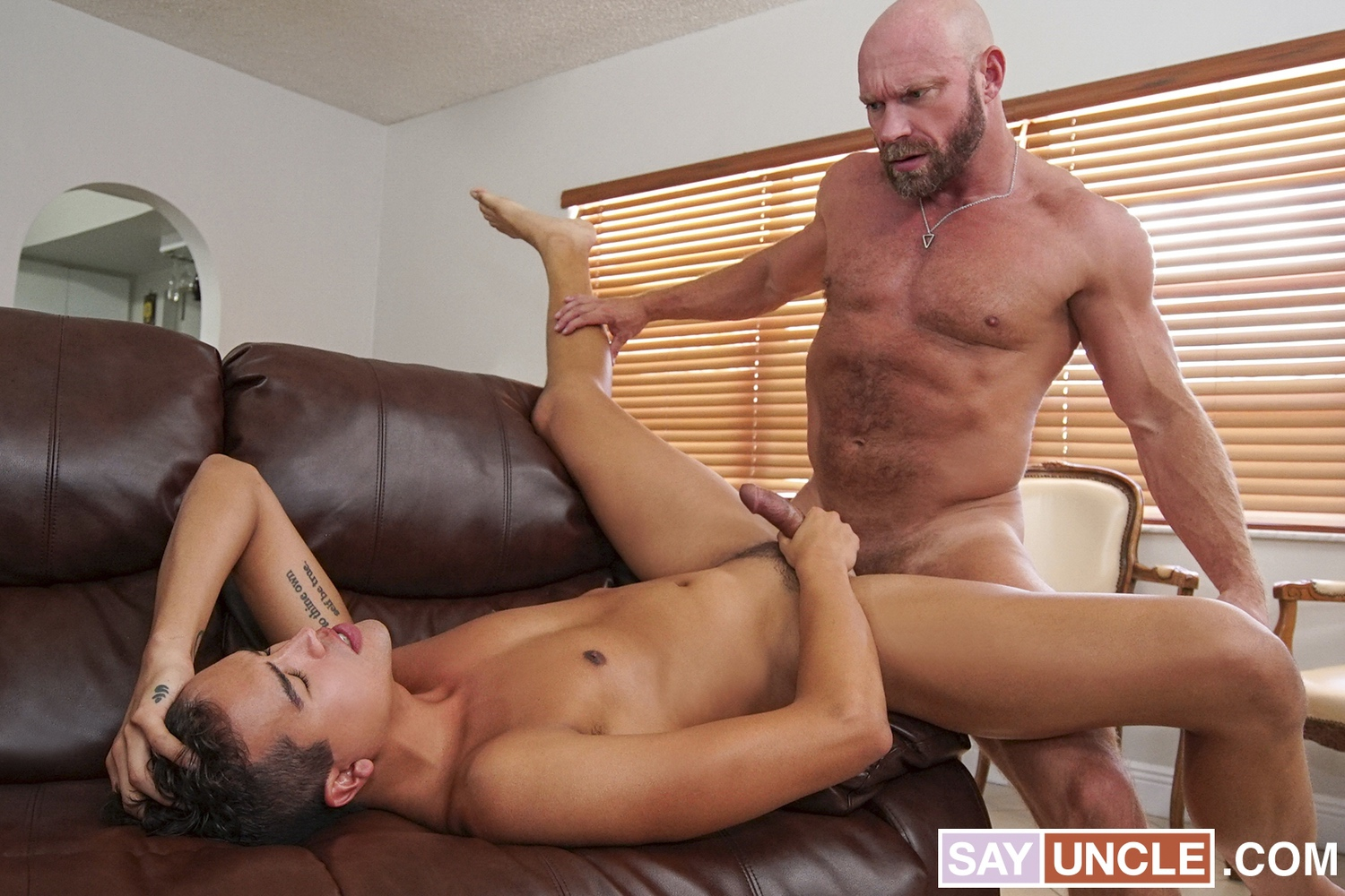 Family Dick – Johnny Bandera, Killian Knox