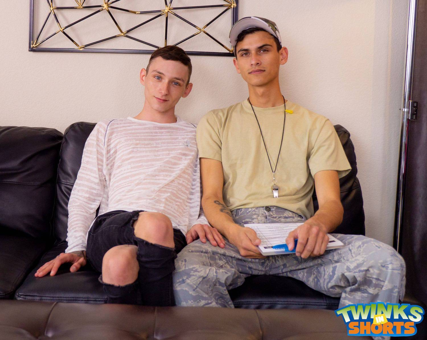 Twinks In Shorts – Justin Cross, Justin Stone
